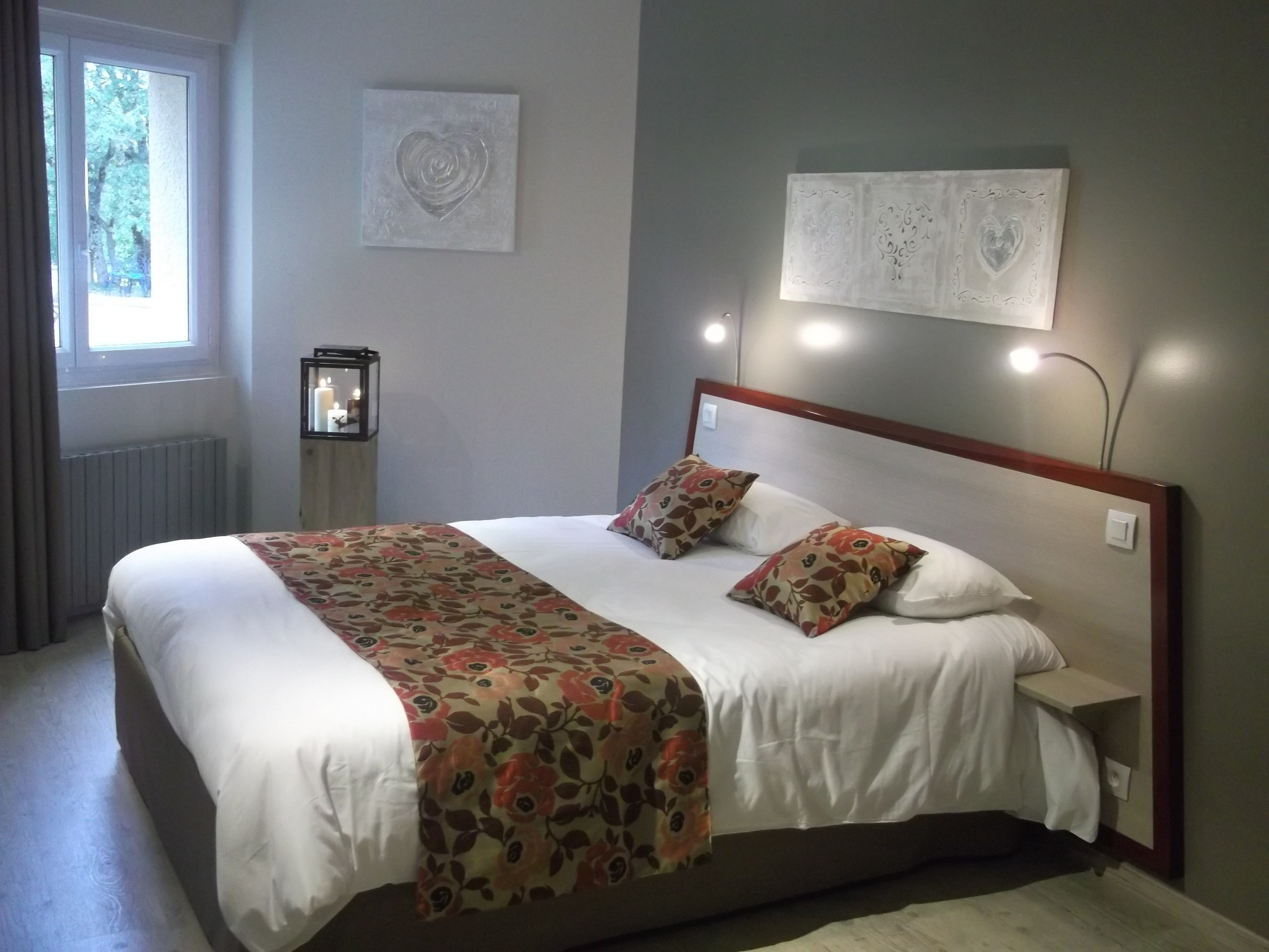 s jour en aveyron groupes autocaristes brit hotel. Black Bedroom Furniture Sets. Home Design Ideas